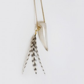 sautoir corne blanche pompon plumes
